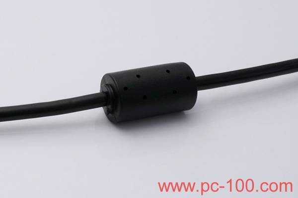 Anti-jamming magnetic ring on mechanical keyboard cable to reduce interference
